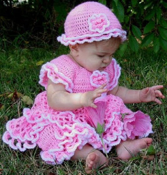 pa849_savannah_ruffled_baby_dress_bloomers__hat_set_500