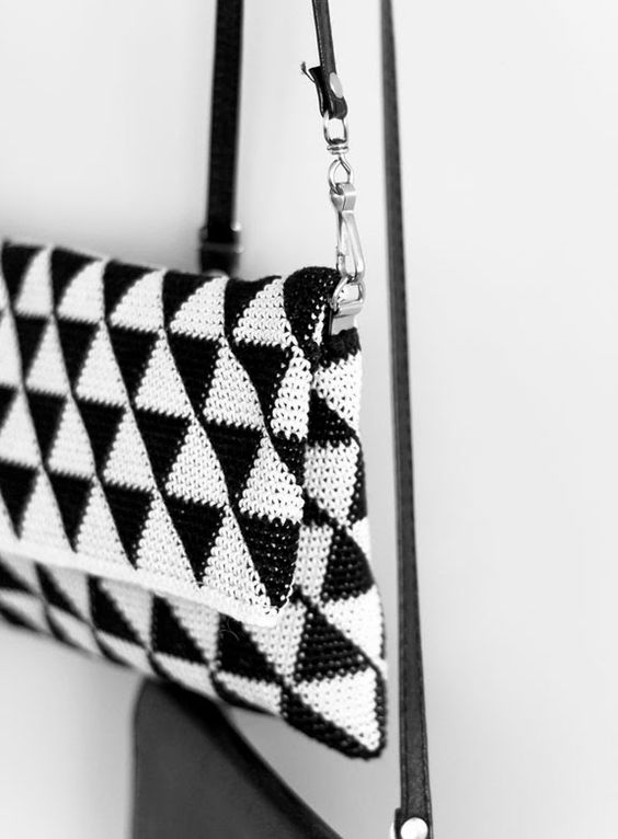 How to make: a modern crochet evening bag